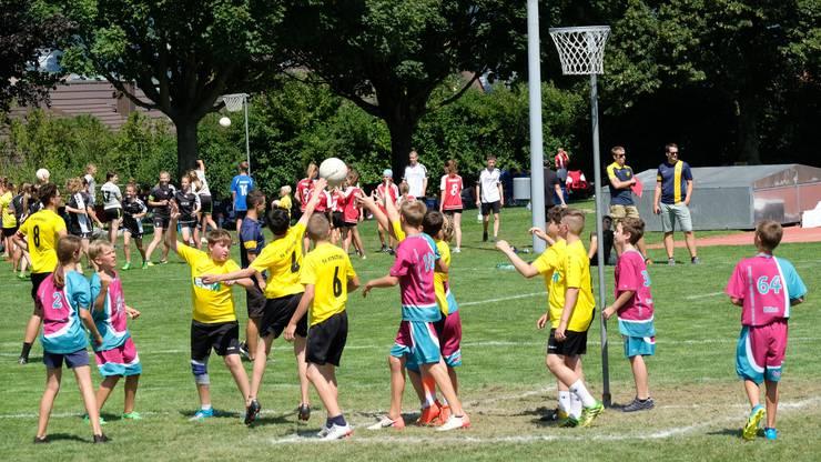 U14 Knaben: Die Jugi Lü-Ne  im Spiel gegen die Jugi Erschwil 2 (gelb)