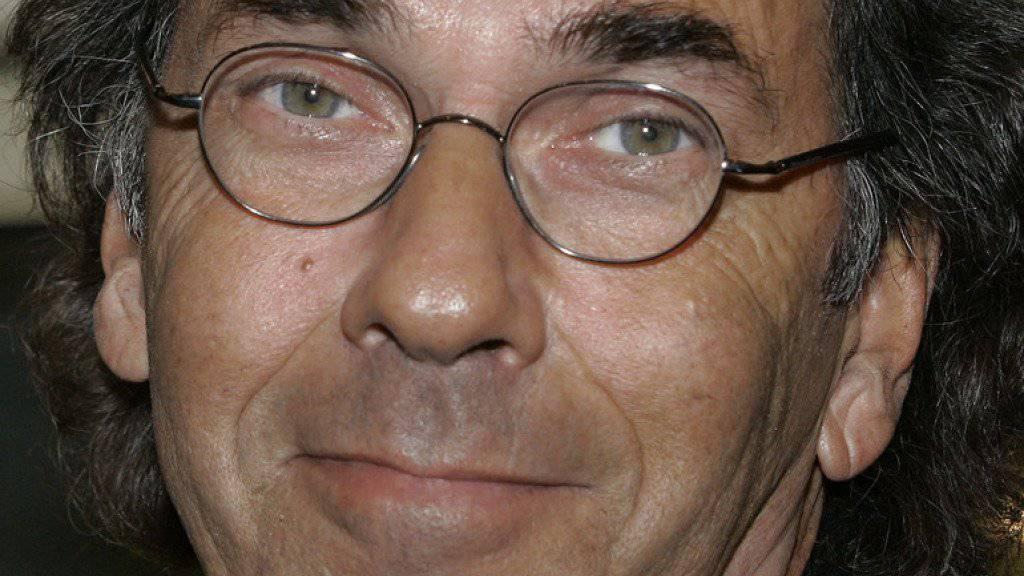 Sieht keine Zukunft am TV-Bildschirm: Hugo Egon Balder will künftig lieber im Theater als im Fernsehen auftreten. (Archivbild)