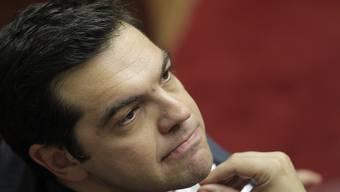 Für ihn ist die Sache noch nicht ausgestanden: Ministerpräsident Alexis Tsipras muss im griechischen Parlament eine Mehrheit für die bitteren Reform-Pillen finden und in seiner Syriza-Partei mit den Abweichlern aufräumen.