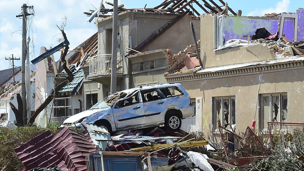 Nach Tornado in Tschechien beginnen die Aufräumarbeiten