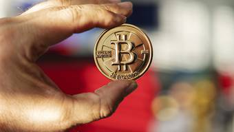 Neues Interesse von mittelfristig orientierten Investoren belebt den Kurs der Cyber-Währung. (Symbolbild)