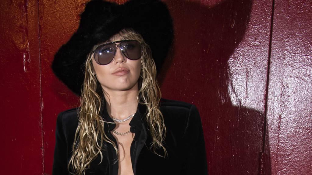 Sitzt im Spital eine Mandelentzündung aus: US-Sängerin Miley Cyrus.