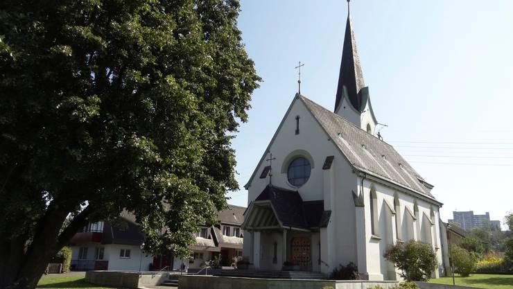 Die Swisscom wollte im Turm der römisch-katholischen Kirche in Kaiseraugst eine 5G-Antenne installieren.Bild: chr (26. September 2014)