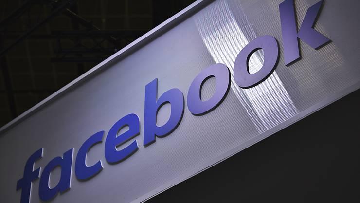 Neuer Ärger: Der Facebook-Konzern soll notfalls per Gerichtsbeschluss zur Kooperation und Herausgabe von Dokumenten gezwungen werden. (Archivbild)
