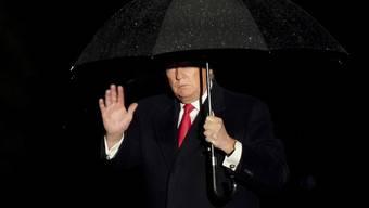 US-Präsident Donald Trump am Sonntag bei der Rückkehr von einem Wahlkampfauftritt in Wisconsin am Samstag, bei dem er 61 Falschaussagen von sich gab.