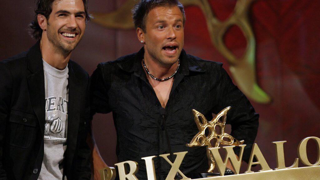 Jonny Fischer (Rechts) vom Cabaret-Duo Divertimento mit seinem Bühnenpartner Manuel Burkart bei der Prix-Walo-Gala 2007. (Archivbild)