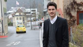 Diego Stoll vor dem Bücheliplatz, wo er sich weniger Verkehr wünscht. Kenneth Nars