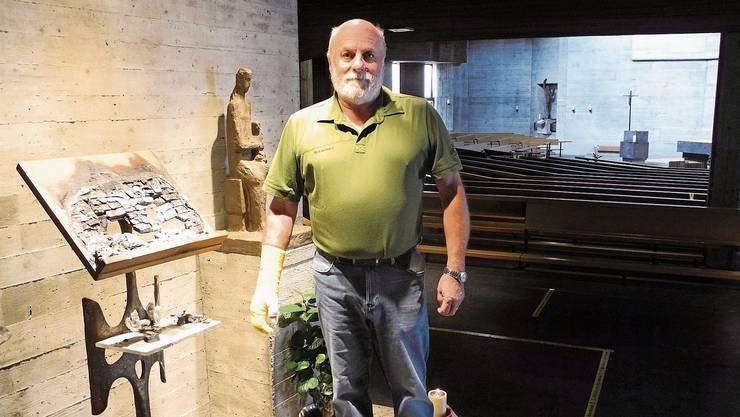 Er hat die Kirche vor dem Schlimmsten bewahrt – und sich dabei die rechte Hand verbrannt.