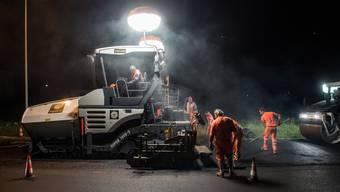 Die Arbeiten in der Nacht seien notwendig, um den Verkehr am Tag nicht zu stark einzuschränken.