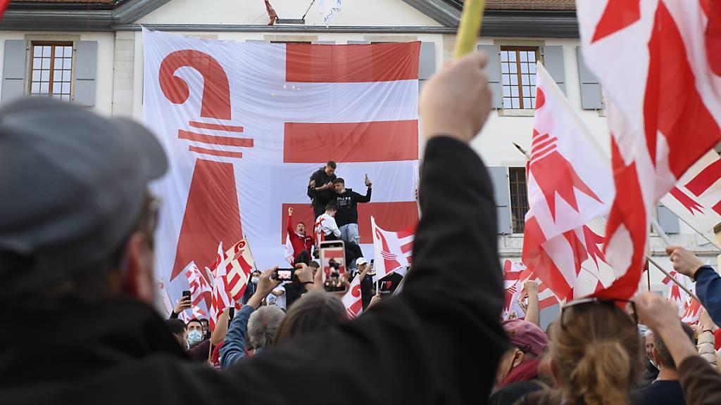 Behörden rufen nach Abstimmungsfeier zu Coronatests auf