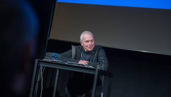 Toningenieur François Musy führte voller Freude in die grosse Kunst der Vertonung ein und zeigte Interessierten akustische Highlights seines Schaffens.