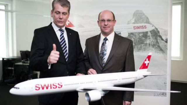 Swiss-Chef Harry Hohmeister (l.) und Boeing-Manager Bob Whittington. Foto: Keystone