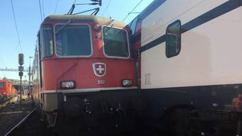 Die beiden Züge waren mit einer niedrigen Geschwindigkeit unterwegs – verletzt wurde niemand.