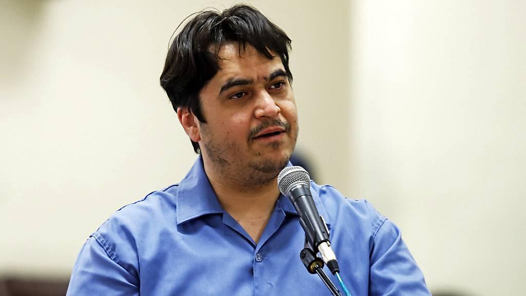 Der Journalist und Blogger Ruhollah Sam spricht während seines Prozesses vor dem Revolutionsgericht. Ruhollah Sam ist hingerichtet worden.
