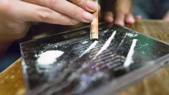 Der Räuber wollte mit der Beute seinen Drogenkonsum finanzieren. (Symbolbild)