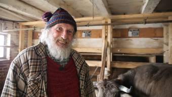 160 Journalisten lud er in seinen Stall: Armin Capaul mobilisiert seine letzten Kräfte für die Hornkühe.