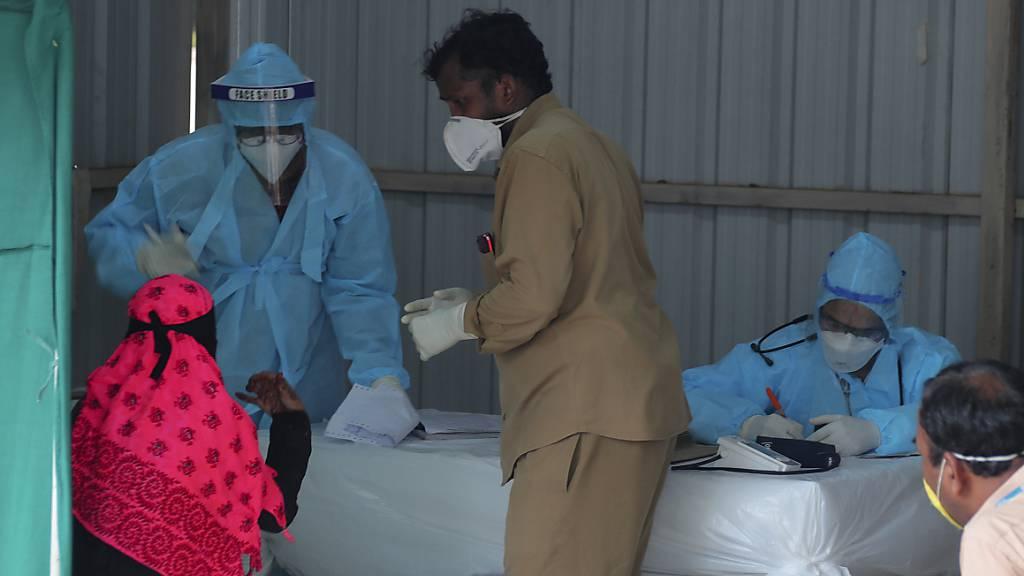 Corona-Krankenhaus mit 10'000 Betten aus Karton in Indien