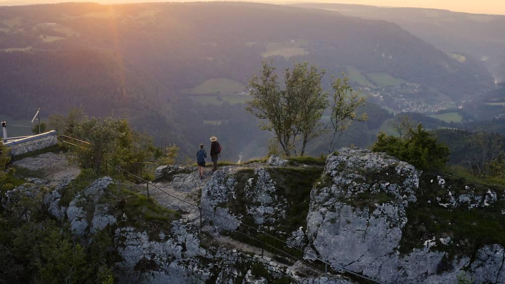 Strömender Regen, idyllische Natur und eine WC-Papier-Forelle: Wandern entlang des Doubs.
