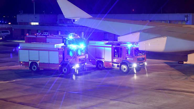 Ein Blick aus der Regierungsmaschine Angela Merkels, die am Flughafen Köln-Bonn nach einer Flugzeugpanne landen musste.