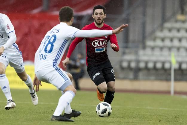 Lucas Pos (l.) gegen Petar Misic (r.).