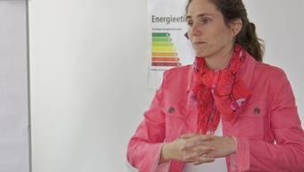 Sabine Frommenwiler von Energie Schweiz bei ihrer Präsentation.PHE