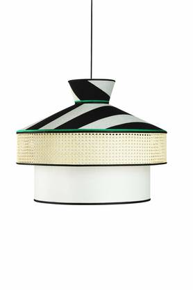 Elegante Lampe mit japanischem Touch: Wagasa by Servomuto für Gebrüder Thonet Vienna, ca. 1800 Euro