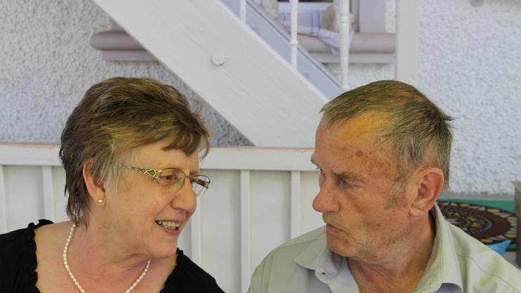 Ehepaar kann nach 50 Jahren noch scherzen...