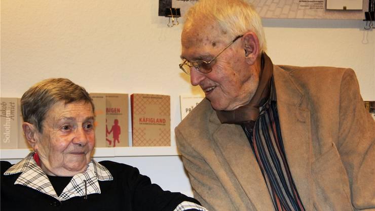 Gret und Helmut Hubacher am«Frohsinn»-Stammtisch.