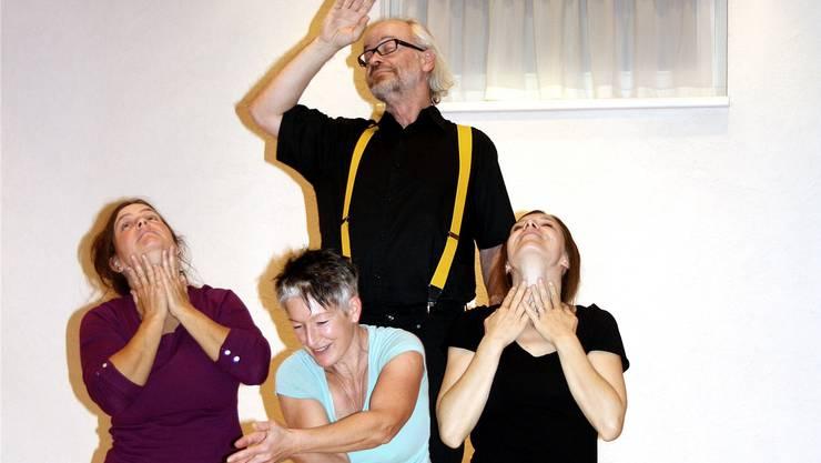 Das Playback-Ensemble Gehdicht tourt mit seinem Theater «Touch Base with someone» durch den Aargau und macht am 25. November Halt im «Royal» in Baden.