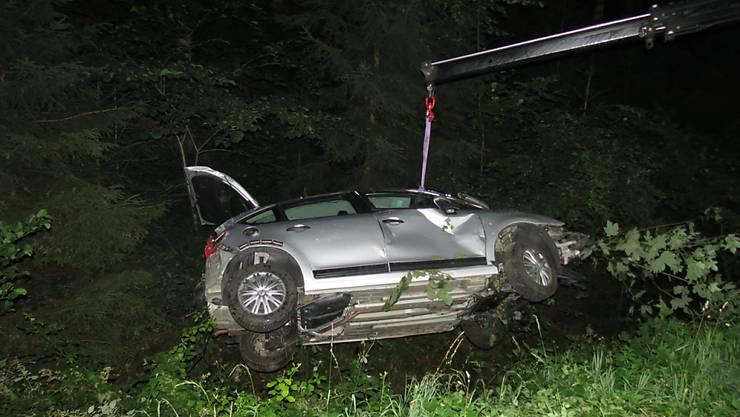 Ein Autofahrer verlor auf der Eikerstrasse die Kontrolle über seinen Wagen, weil er einem Fuchs ausgewichen ist.