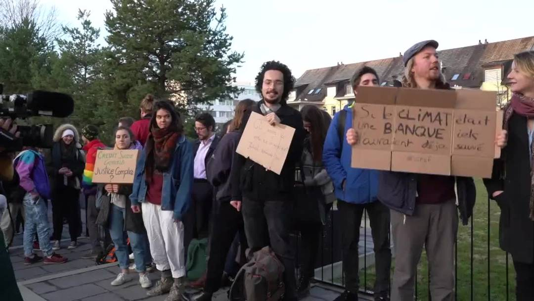 Zwölf Klima-Aktivisten stehen in Lausanne vor Polizeigericht