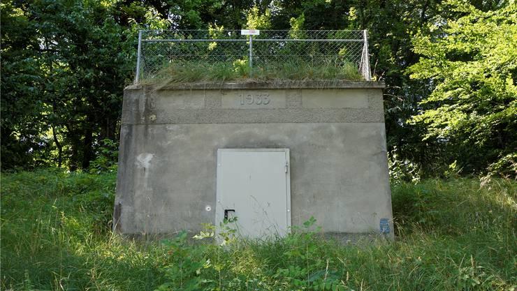 Ab 1952 floss Wasser von der Gänselochquelle ins Reservoir am Forstweg in Lommiswil.