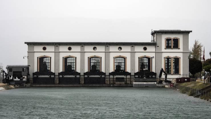 Sicht auf das Wasserkraftwerk Hagneck BE: Der Kanton Bern gewährt seinen Kraftwerken einen grosszügigen Rabatt.