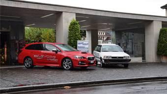 Die Garage Grandag AG aus Windisch macht auf dem Eisi-Platz in Brugg auf ihre Ausstellung sowie ihr Firmenjubiläum aufmerksam.