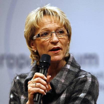 Mit an Bord war die 64-jährige Zürcher alt Regierungsrätin Rita Fuhrer. Sie und der 67-jährige Pilot konnten das Flugzeug wohlauf verlassen.