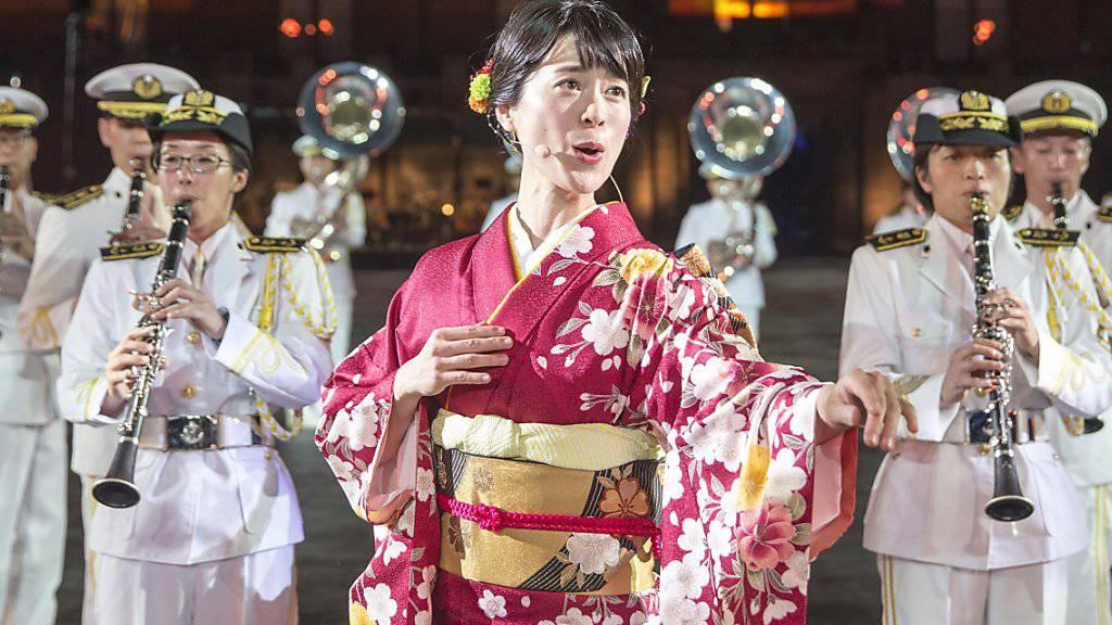 Basel im Banne von Japan: Das diesjährige Militärmusik-Festival Basel Tattoo ist am Samstag mit einem völkerverbindenden Programm zu Ende gegangen.