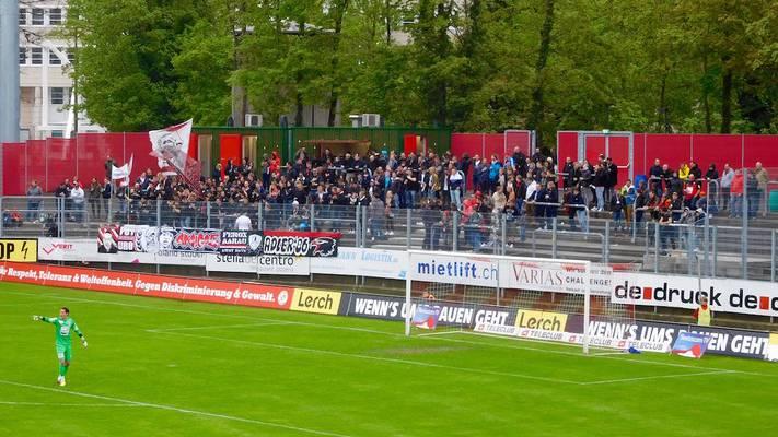 Rund 150 Aarau-Fans fanden unter garstigen Wetterbedingungen den Weg nach Winterthur.