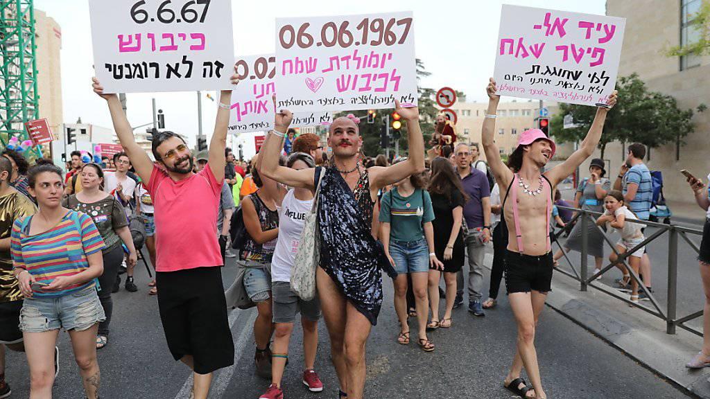Tausende Menschen nahmen an der Gay-Pride-Parade in Jerusalem teil.