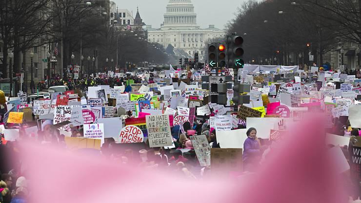 """Der """"Women's March"""" markiert zwei Jahre Widerstand gegen die Präsidentschaft von US-Präsident Trump."""