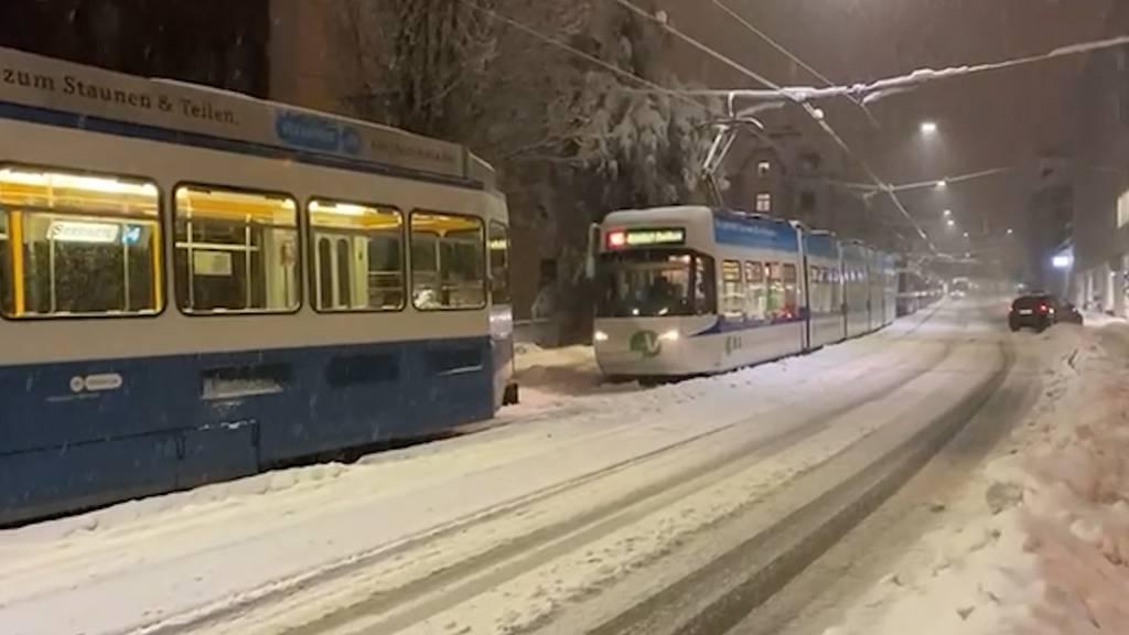 Wegen Schnee und Eisglätte: VBZ stellt Tram und Busbetrieb ein