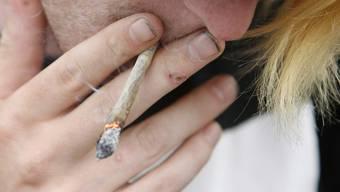 Cannabis, Amphetamine, Ecstasy: Der Angeklagte hat früh mit Drogenkonsum begonnen. (Symbolbild)