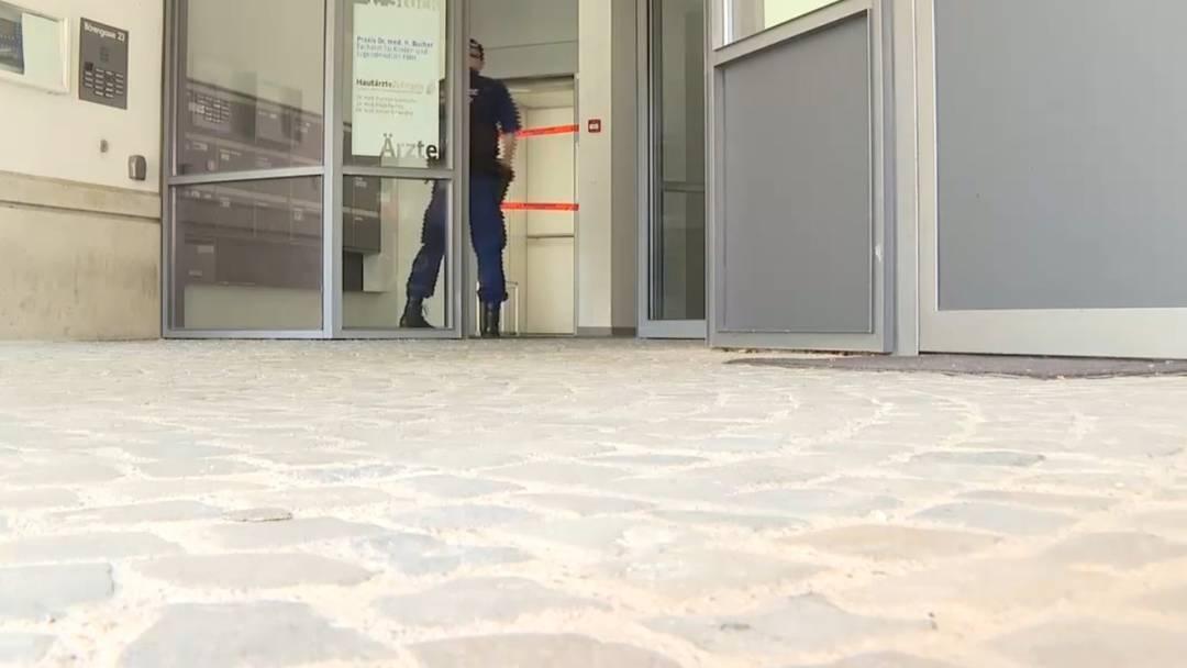 Zofingen: Arzt (53) in Praxis aus Versehen angeschossen