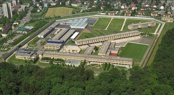 Die Justizvollzugsanstalt Pöschwies (Luftbild).