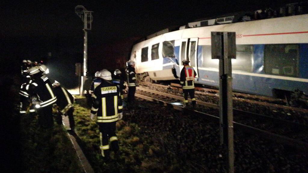 Deutschland: Zwei Züge sind ineinandergeprallt