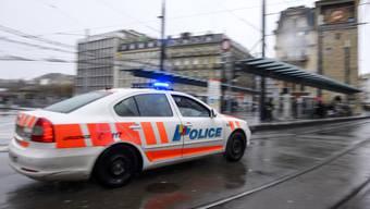 Wegen Tempoexzess auf Verfolgungsjagd: In Genf ist ein Polizist zu einer bedingten Gefängnisstrafe von einem Jahr verurteilt worden. (Symbolbild)
