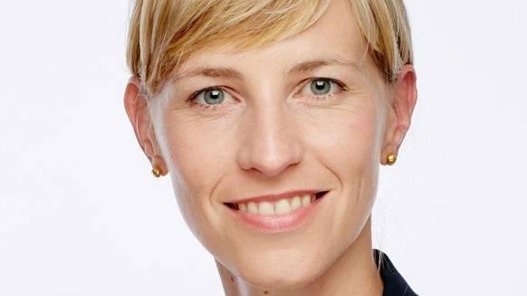 Zur Person: Isabella Eckerle leitet das Zentrum für Viruserkrankungen in Genf. Eckerle hat, zusammen mit dem Deutschen Virologen Christian Drosten und weiteren Experten, eine Stellungnahmen zum Schulbeginn während der Corona-Pandemie veröffentlicht.