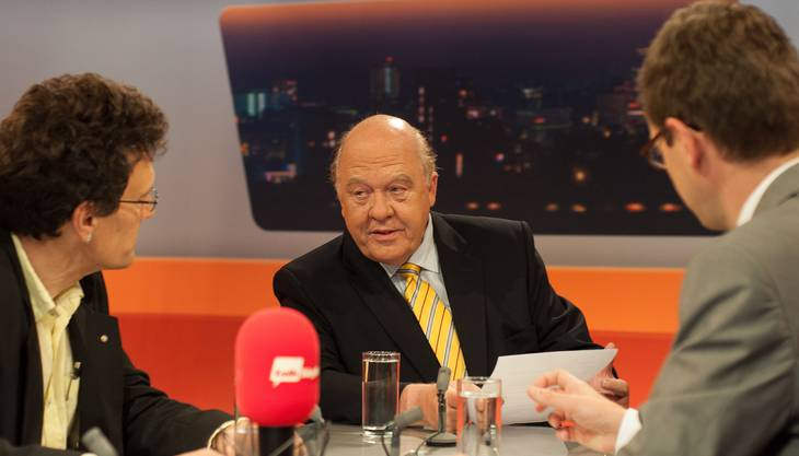 Christian Dorer empfing im «TalkTäglich» auf TeleM1 auch FDP-Grossrat Johannes Jenni (links) und PR-Profi Klaus J. Stöhlker.