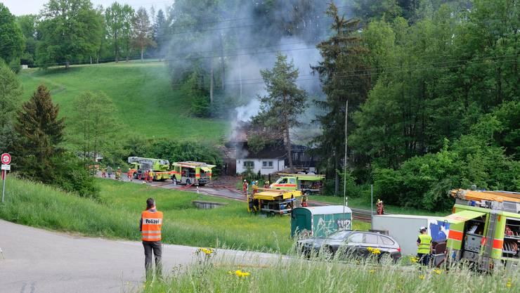 Einfamilienhaus brennt an der Luzernerstrasse in Birmensdorf am 7. Mai 2018