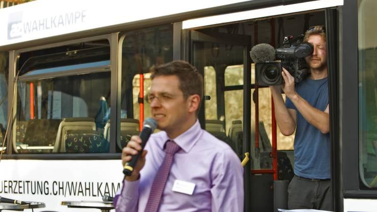 az-Chefredaktor Christian Dorer bei seiner Ansprache