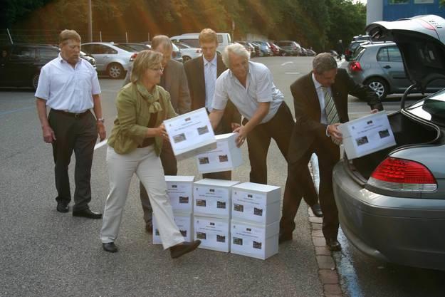 2010 geht es für die Weininger wieder nach Bern, um die Petition Chance Gubrist einzureichen